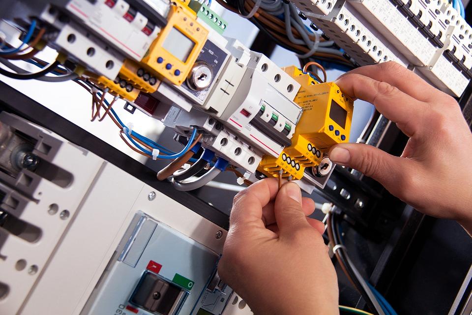 electrical engineer, electrical engineering