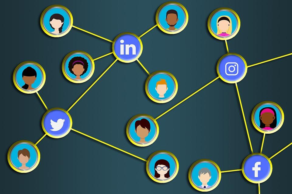 add multimedia in your LinkedIn profile
