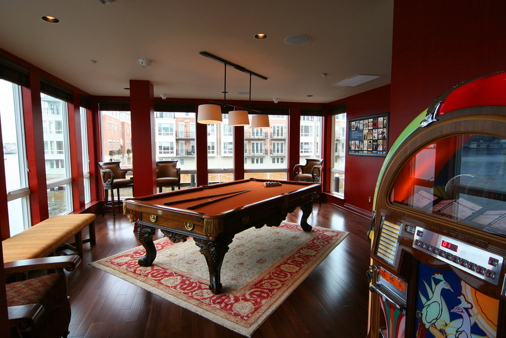 game room, rec room, pool table, gamer