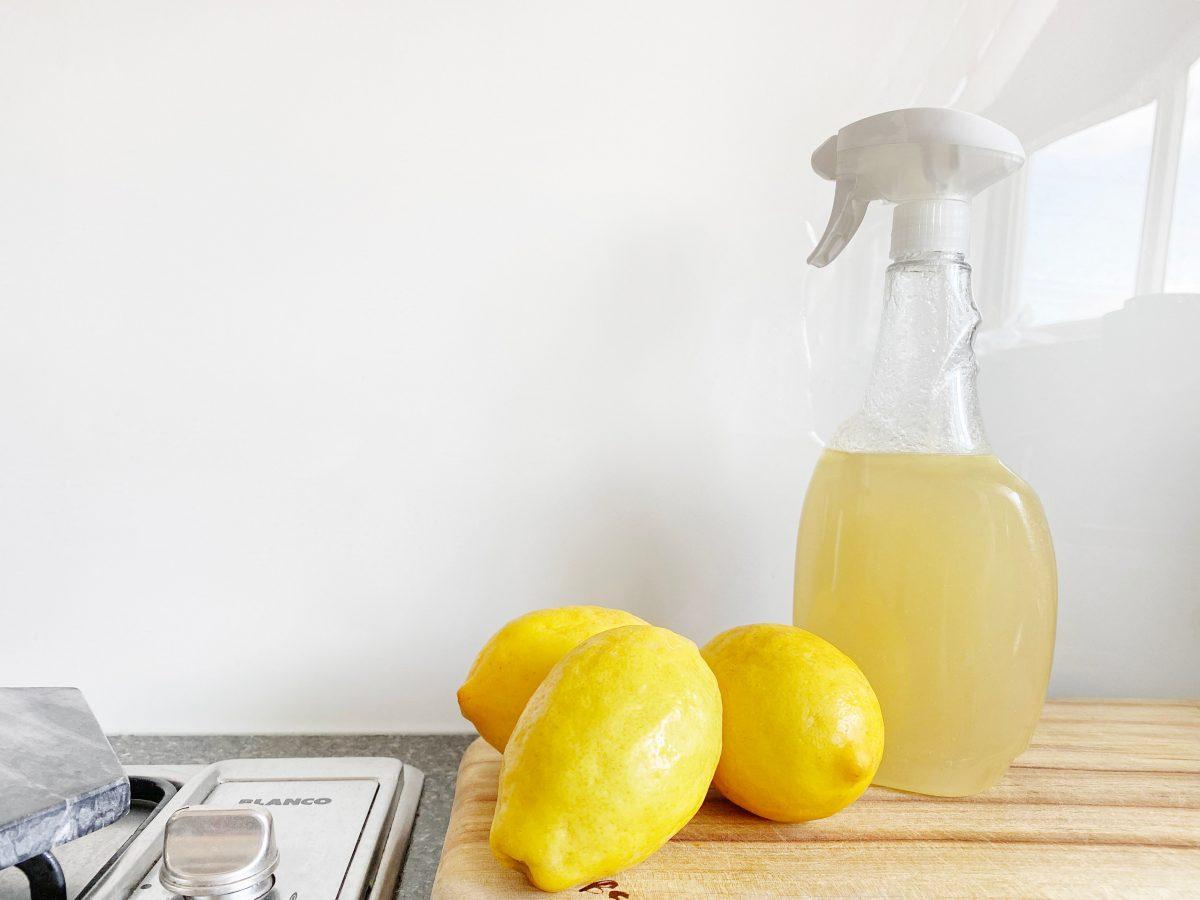 Lemon Juice Spray Against Ants
