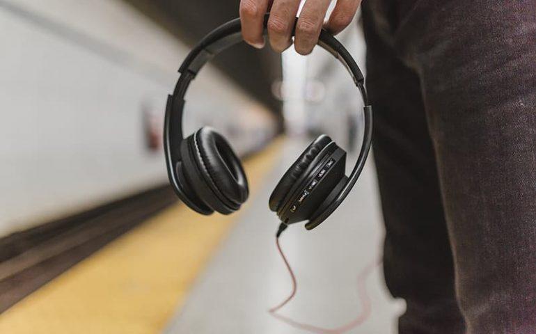 15 Best Noise Cancelling Headphones