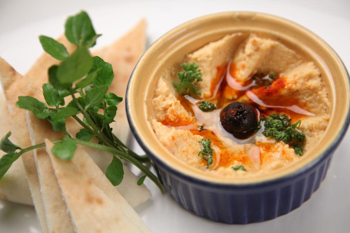hummus as mediterranean food