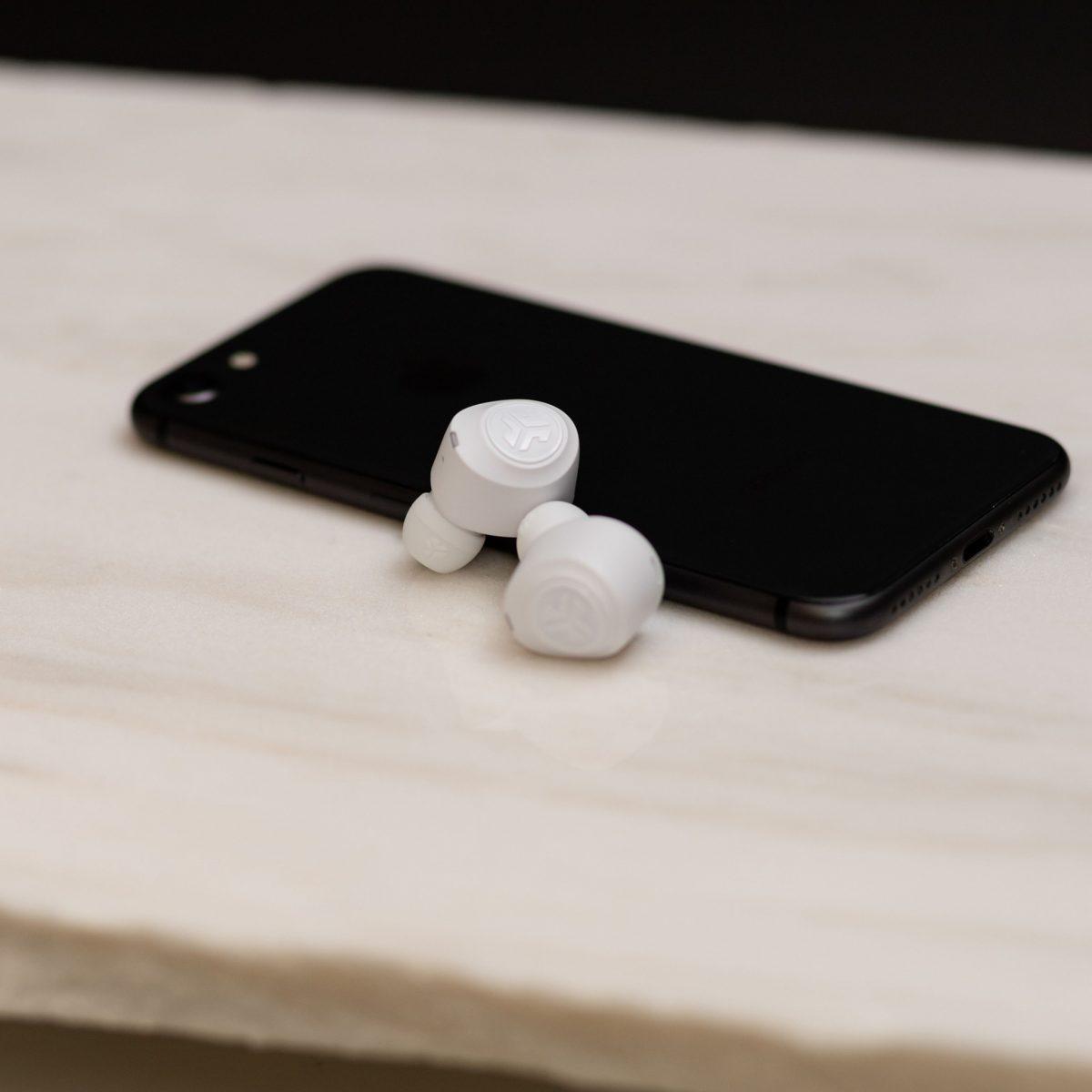 Jbuds best cheap wireless earbuds in white
