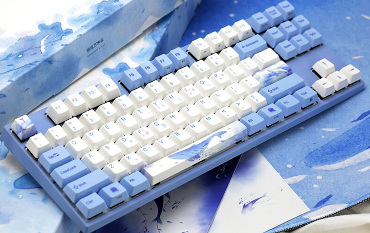 Varmilo mechanical keyboard in Sea Melody theme