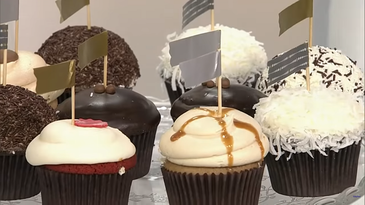 Cupcake flags with Japanese tape